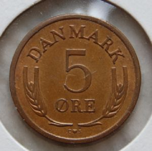 front view: 1966 Danish 5 Ore